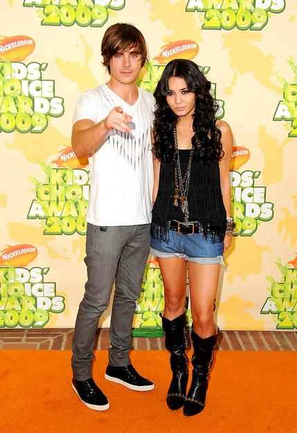 "Zac Efron and Vanessa Hudgens arrived at Nickelodeon's 2009 Kids' Choice Awards hand in hand. Since Zac just got back from promoting his new film, ""17 Again,"" in Europe, we're assuming jet lag is the reason he allowed his girlfriend out of the house in this getup."