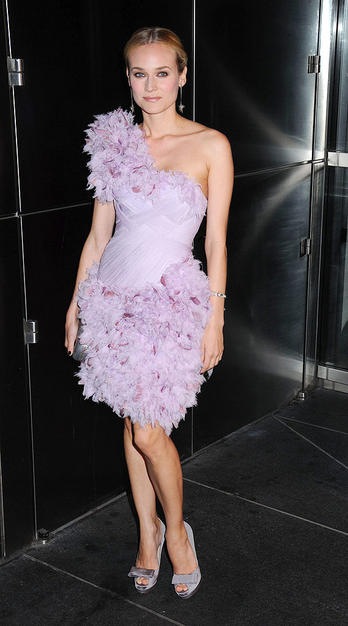 Budding fashionista Diane Kruger delivered the drama at a recent foster care charity function in an asymmetrical feathered Marchesa frock, $530 bow-adorned Fendi pumps, and a simple yet chic 'do.