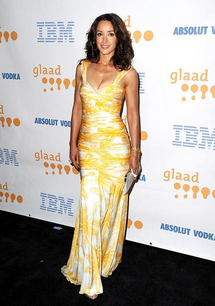 """""""L Word"""" alum Jennifer Beals looked absolutely yummy in a yellow-and-white David Meister mermaid gown at the 20th Annual GLAAD Media Awards."""
