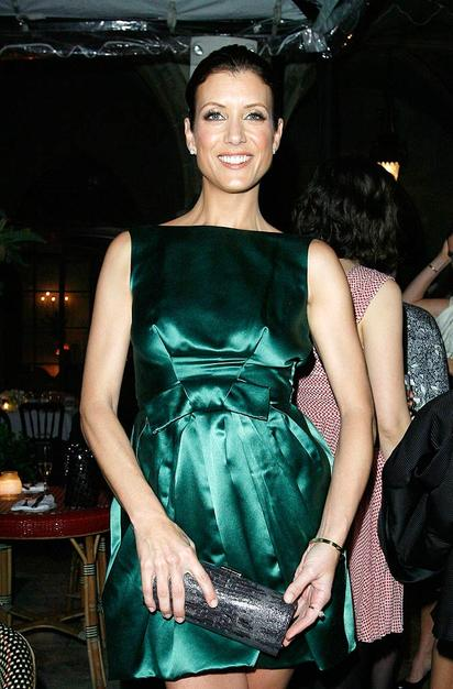 Kate Walsh was gorgeous in an emerald green cocktail frock.