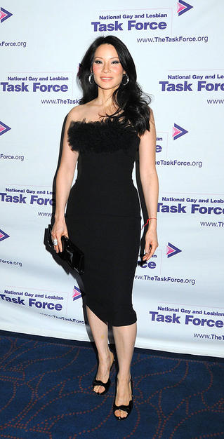 Lucy Liu continued to solidify her status as a style icon thanks to the gorgeous, tulle-accented Giambattista Valli silk crepe cocktail frock she wore to the National Gay and Lesbian Task Force Leadership Awards in NYC.