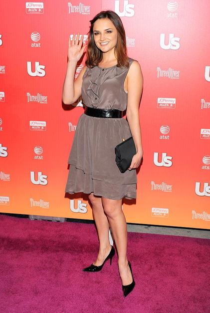 Rachel Leigh Cook kept things classy in a gray dress.