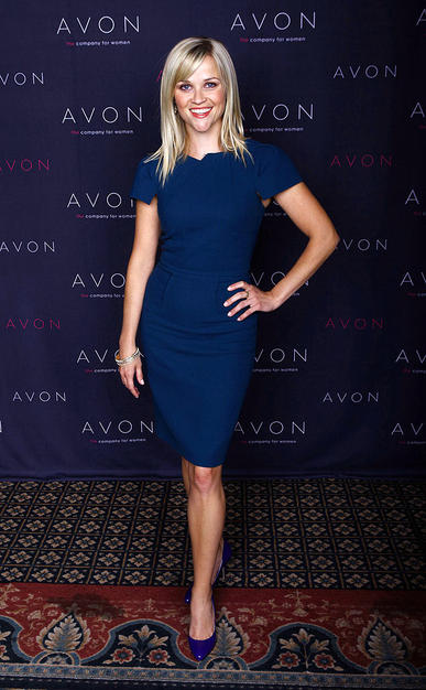 Reese Witherspoon kept it cute and classy at the annual AVON conference in Vegas thanks to her sophisticated RM by Roland Mouret sheath, purple patent Brian Atwood heels, and super chic bracelet.