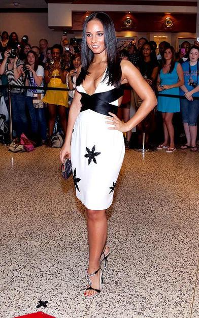 Alicia Keys' dress was a bit too revealing for the black-tie affair.