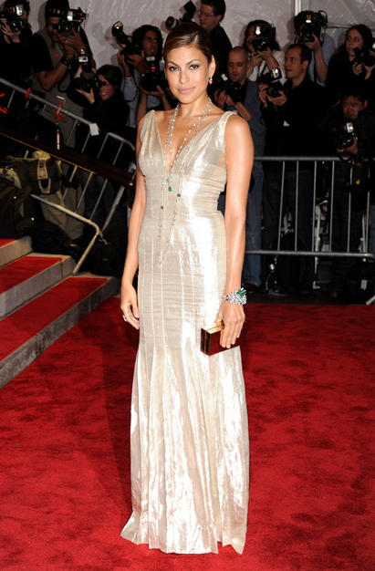 Eva Mendes shimmered in a simple yet chic Calvin Klein creation.