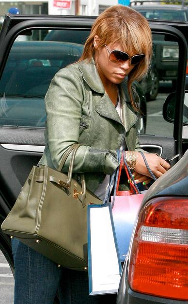 "Rapper Eve showed off her ""femullet"" -- or female mullet -- while shopping in Santa Monica"