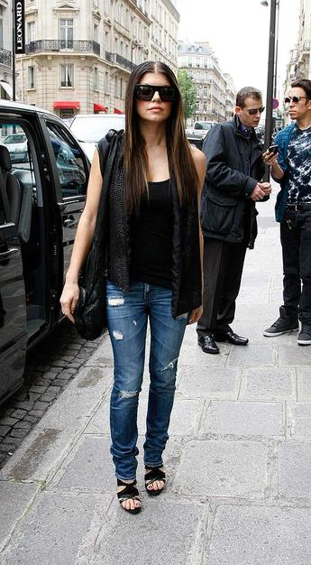 Fergie hits the streets of Paris for a little shopping.