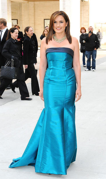 Teal was one of the evening's most popular colors, as Mariska Hargitay (also in Carolina Herrera) proved.
