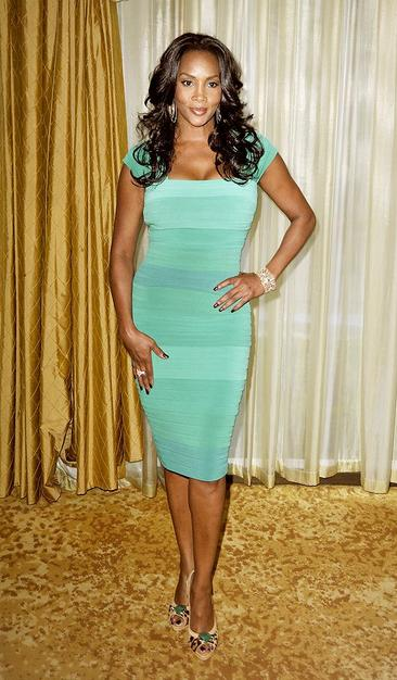 Vivica Fox has never looked better! You go girl!