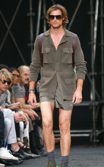 At a Louis Vutton fashion show, Gabriel Aubry proves that Halle Berry isn't the only looker in this couple. Check out his short shorts!