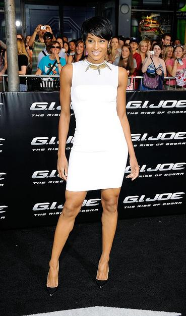 R&B star Ciara was also a vision in white thanks to her Herve L. Leroux stunner, statement necklace, and monstrous diamond earrings.