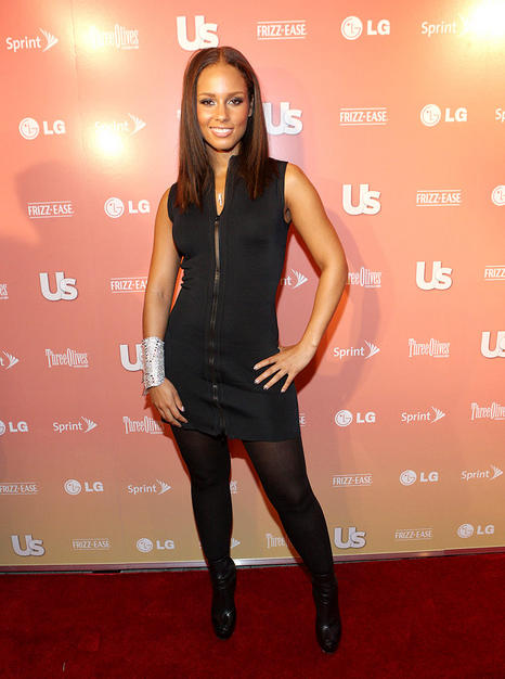 "Alicia Keys struck a pose upon arriving at Us Weekly's ""25 Most Stylish New Yorkers"" soiree."